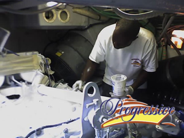 Yacht_engine_repair1